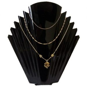 AN5B_necklace_display