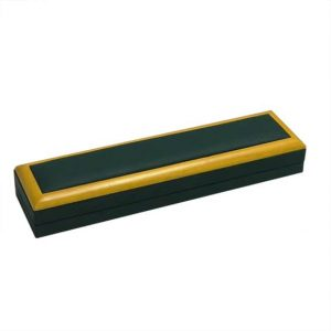 GWFBL-Wood-Frame_Green_Lette_Bracelet_Box
